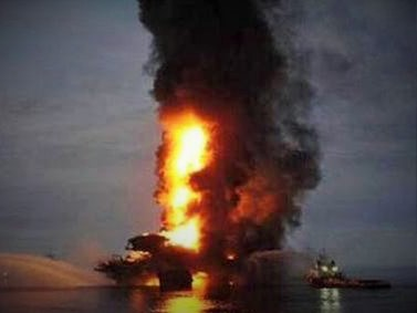 Offshore Blaze at Gulf of Mexico Oil Rig