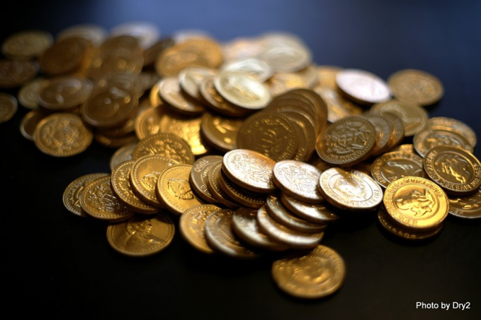 The European Commission tightens rules on Bitcoin and prepaid cards