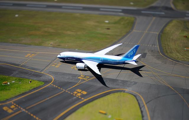Hainan orders 30 787 Dreamliners for $7.7 billion