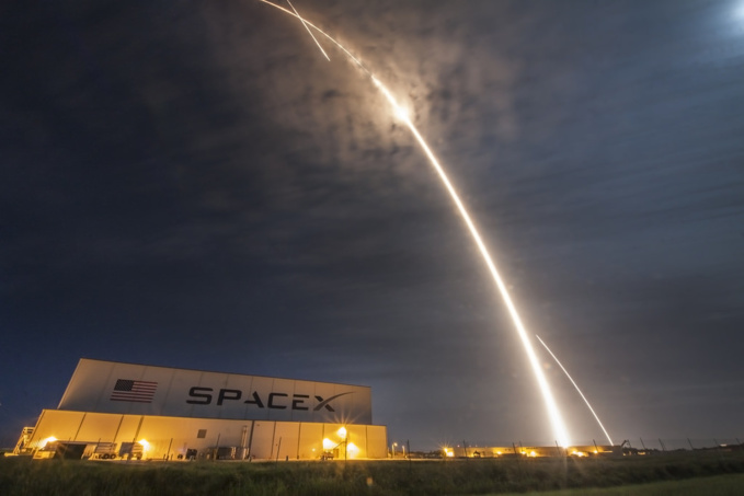 Official SpaceX Photos via flickr