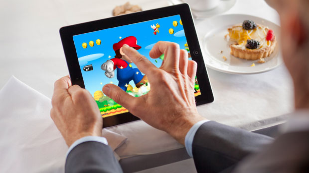 Nintendo Sets on Mobile Apps