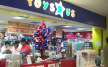 Toys R Us lost the competition to online retail