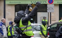French Yellow Vests movement changes clothes to black