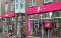 T-Mobile CEO to resign