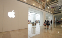 Apple hits record high thanks to China