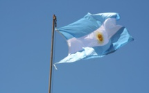 Argentina extends debt negotiations while in default