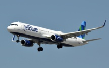 American Airlines teams up with JetBlue to deal with sales slump