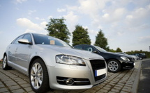 UK carmakers ask to delay ban on gasoline cars