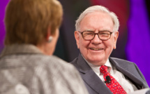 Buffett gives half his shares to charity