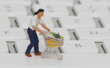 US retail sales unexpectedly up in August thanks to online shopping