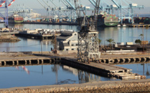 US ports and logistics companies switch to around-the-clock operations