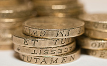 Cashless payments dominate for first time in UK